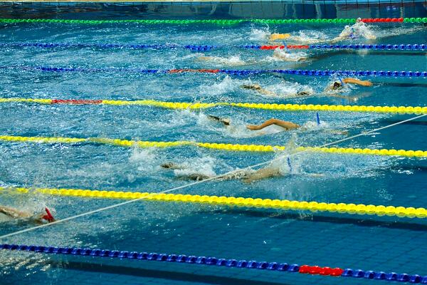 全国350多名青少年蹼泳健儿竞速争锋在梧州2