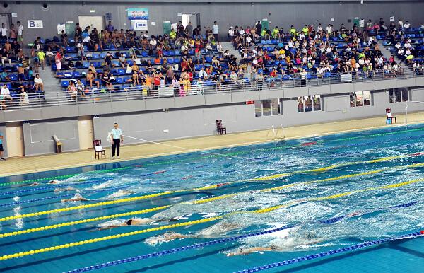 全国350多名青少年蹼泳健儿竞速争锋在梧州4